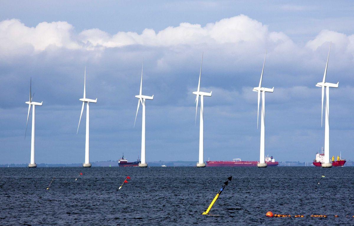 Illustarition d'un parc éolien offshore au Danemark. – Angot / SIPA