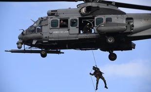 Un hélicoptère de l'Armée Française.