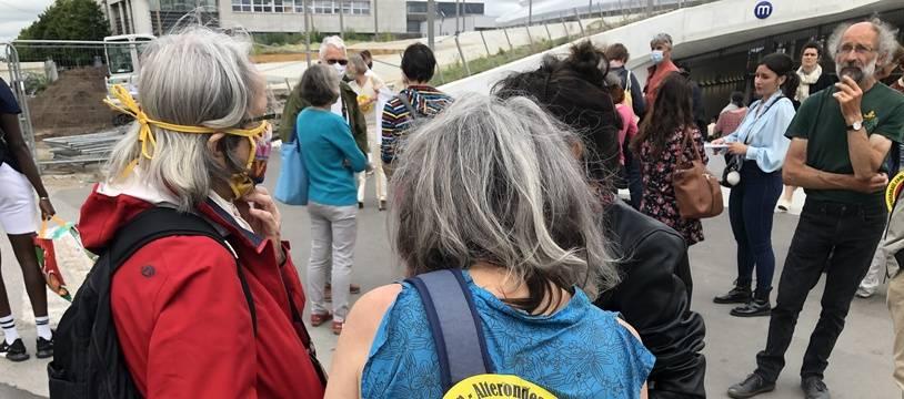 Des militants anti-5G avaient mené une action en juillet 2020 devant la gare de Rennes où est testée la technologie.