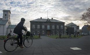 L'Althingi, le Parlement islandais à  Reykjavik, où le projet de loi visant l'interdiction de la circoncision va être soumis au vote début juin.