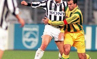 Ferri face à l'Italien Vialli en Ligue des Champions en 1996.