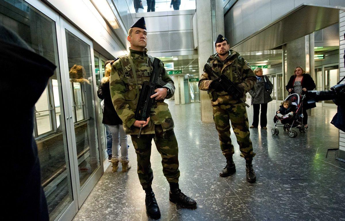 Des militaires dans le métro toulousain, en 2012, après les assassinats commis par Mohamed Merah – F. Lancelot /Sipa