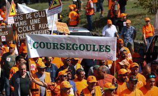 Près de 8.000 chasseurs ont manifesté à Forcalquier, dans le cadre d'un appel national