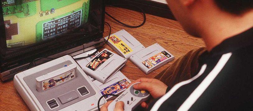 Un joueur japonais de Super Nintendo en 1993