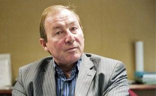 Gérard Méauxsoone informe les patrons selon le profil et le marché de leur entreprise.