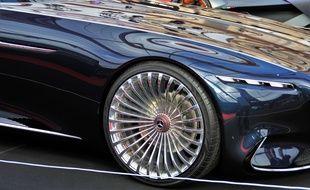 Le rappeur Future a notamment acheté une Mercedes Maybach en passant par Instagram (illustration).