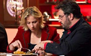 Amandine Chaignot et Yves Camdeborde dans la quatrième saison de «MasterChef».