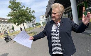 Catherine Trautmann, candidate PS aux élections municipales, dans le quartier du Neuhof à Strasbourg le 08 juin 2020.