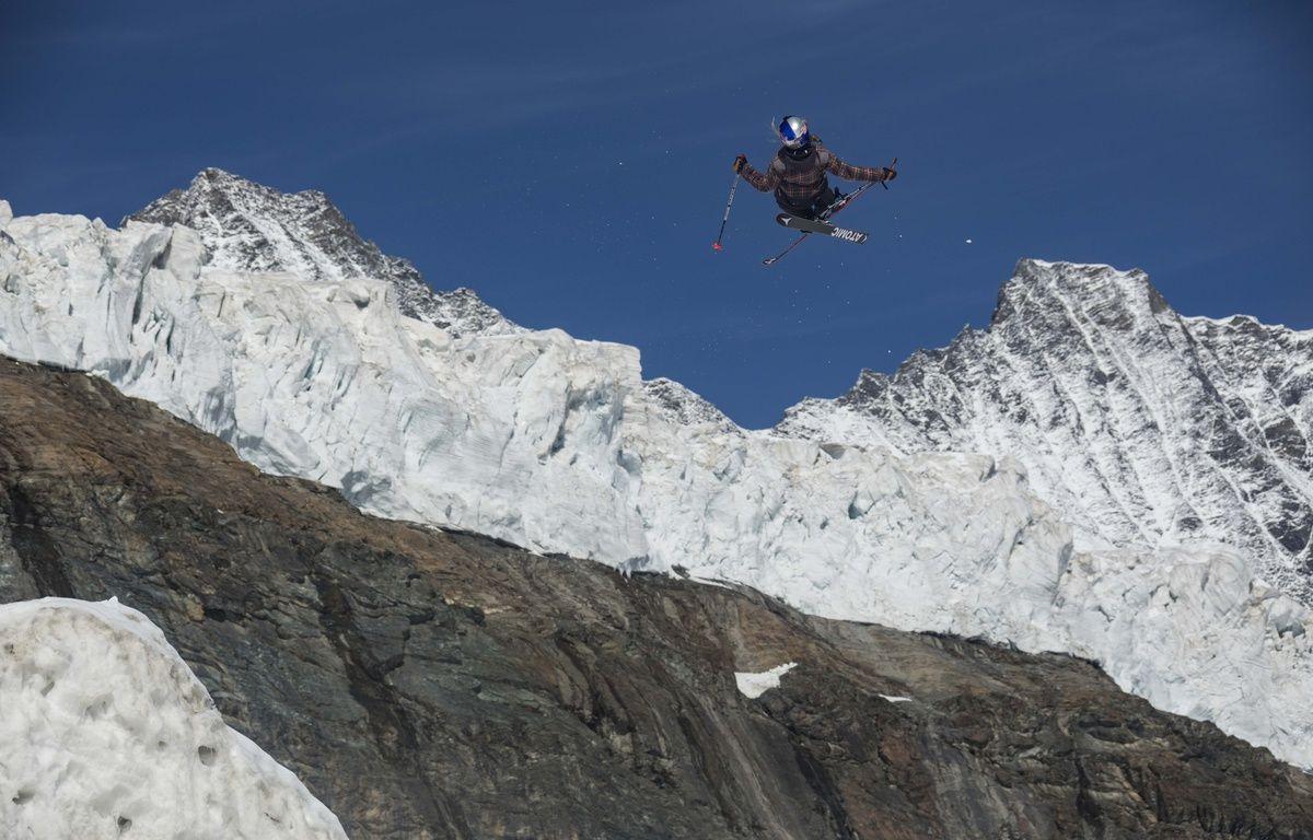 La championne du monde de  slopestyle Tess Ledeux (15 ans), ici dans ses œuvres  en Suisse le mois dernier.  – Dom Daher/Red Bull Content Pool