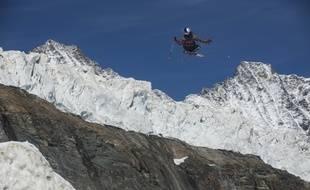 La championne du monde de  slopestyle Tess Ledeux (15 ans), ici dans ses œuvres  en Suisse le mois dernier.