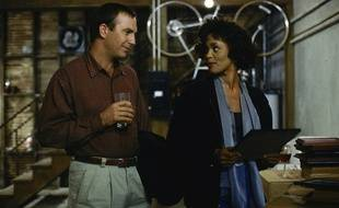 Kevin Costner et Whitney Houston dans le film«Bodyguard».