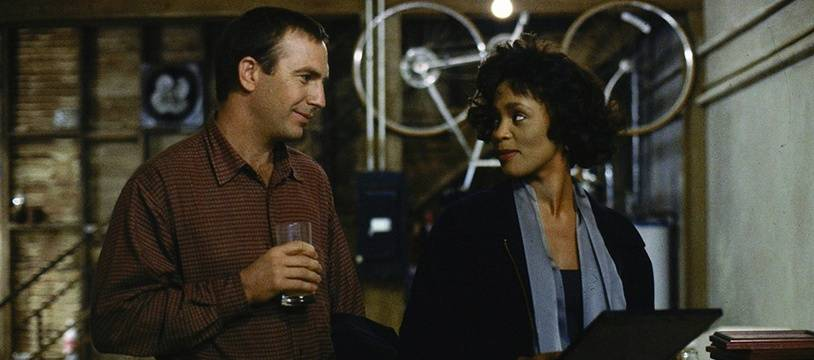 Kevin Costner et Whitney Houston dans le film«Bodyguard».