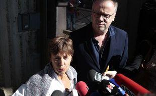 La mère de Mzthias Depardon et le secrétaire général de Reporters sans frontières Christophe Deloire le 25 mai 2017.