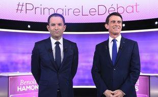 Benoît Hamon et Manuel Valls lors du débat avant le second tour de la primaire de la gauche, le 25 janvier 2017.