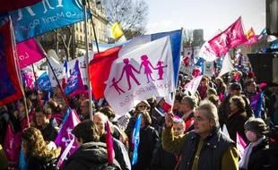 Des participants à «La Manif pour tous», le 2 février 2014, place de L'Ecole militaire (7e)