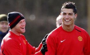 Malgré l'ampleur de la polémique au Mondial 2006, l'épisode du «clin d'œil» (Ronaldo avait provoqué puis s'était réjoui de l'expulsion de Rooney lors du match entre l'Angleterre et le Portugal) a été très vite été oublié entre les deux  joueurs de Manchester dont l'entente fait toujours merveille sur le terrain.