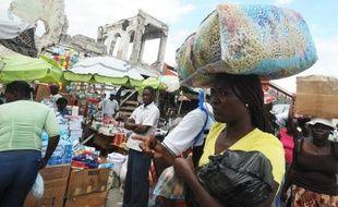 Deux ans après le séisme qui a tué au moins 200.000 personnes en Haïti, des milliers de sinistrés s'entassent toujours dans des campements de fortune, sans plus aucun espoir de retrouver un jour une vie normale.