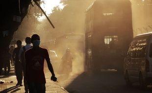 Sheel vit à 200 km de Dacca, la capitale du Bangladesh qui est aussi une des villes les plus polluées au monde.