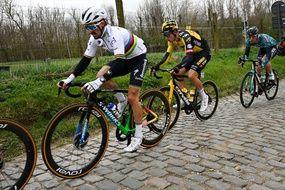 Julian Alaphilippe lors du Tour des Flandres, le 4 avril 2021.
