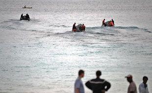 Opération de sauvetage à la suite du crash d'un avion de la Yemenia à l'approche de l'aéroport de Moroni, le 3 juillet 2009