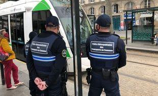 La police métropolitaine des transports en commun sillonne le réseau Semitan.