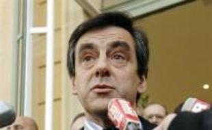 Le Premier ministre François Fillon a annoncé mardi une enveloppe de 250 millions d'euros pour 2008 et un plan pluriannuel pour tenter de résoudre les problèmes des sans-abri et des mal-logés.