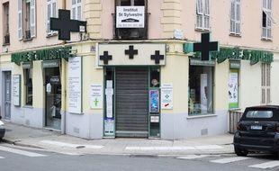 La praticienne de 71 ans est à la tête d'une pharmacie du nord de Nice
