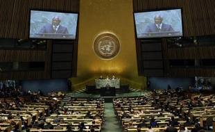 Les négociations à l'ONU pour mettre au point le premier traité international sur le commerce des armes classiques étaient à mi-chemin dimanche et piétinaient, faisant craindre un échec à la date-butoir du 27 juillet.