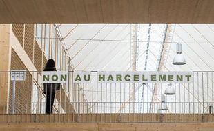 Une vingtaine de groupes de médias françaisont signé mercredi 13 mars 2019 unechartede bonne conduite contre le harcèlement sexuel.