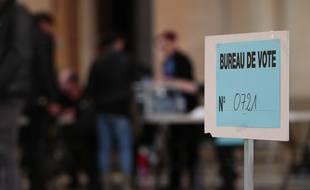 Un bureau de vote à Marseille.