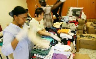 De nombreux bénévoles du tissu associatif niçois se sont mobilisés pour le tri des dons.