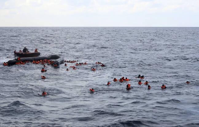 648x415 des migrants apres la chavirage de leur embarcation en mediterrannee mercredi 11 novembre 2020