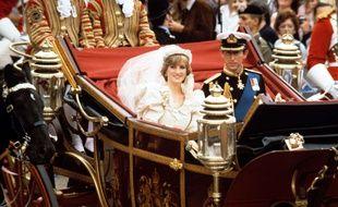 Diana et Charles pour leur mariage le 29 juillet 1981