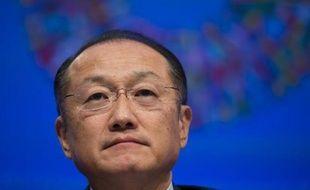 """Le président de la Banque mondiale Jim Yong Kim a averti que les Etats-Unis abordaient une période """"très dangereuse"""" après le nouvel échec des responsables politiques samedi à trouver un accord pour la crise budgétaire et le plafonnement de la dette."""