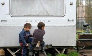Un maire devant la justice, accusé d'avoir refusé de scolariser cinq enfants roms dans sa commune du Val-de-Marne