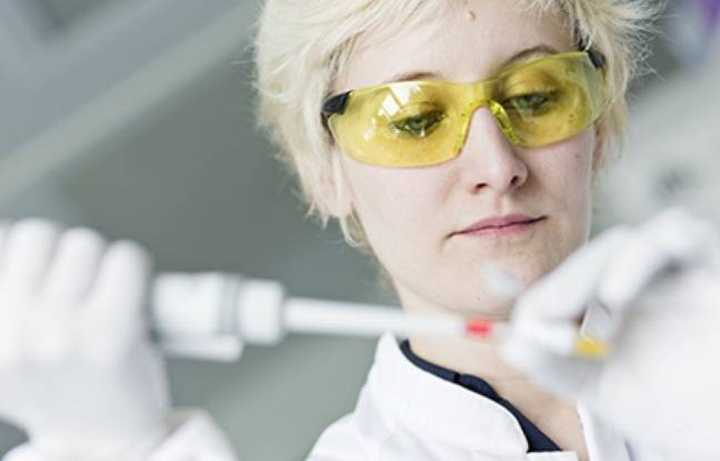 Fanny Collaud, chercheuse, travaille au sein de l'équipe de Fédérico Mingozzi, qui va mener au Généthon un essai clinique sur le syndrome de Crigler-Najjar, la maladie de la petite Elena.