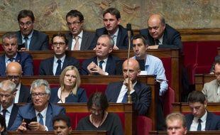 François Ruffin (en chemise) et à sa droite François de Rugy, lors de l'élection de ce dernier comme président de l'Assemblée nationale, en juin 2017. (archives)