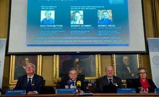 L'académie royale des sciences de Suède a annoncé mardi 4 octobre 2011 à Stockholm le nom des lauréats du prix Nobel de physique: Saul Permutter, Brian Schmidt et Adam Riess.