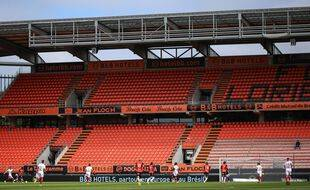 Illustration du stade du Moustoir lors d'un match de préparation du FC Lorient.