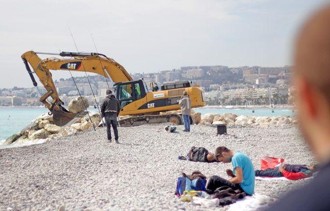 Mardi, sur les plages de Nice