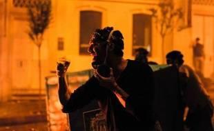Au troisième jour de leur mouvement, les manifestants turcs ont maintenu dimanche la pression sur le gouvernement de Recep Tayyip Erdogan en occupant la place Taksim d'Istanbul, tandis que de nouveaux incidents ont éclaté dans la capitale Ankara.