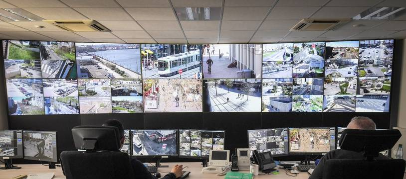 Au sein du centre de supervision urbain de Nantes métropole.