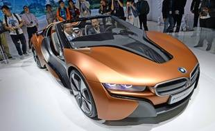 Le concept-car BMW iVISION au salon de l'électronique de Shanghai, le 11 mai 2016