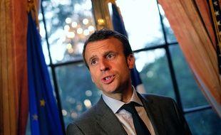New-York, le 24 juin 2015. Emmannuel Macron s'adresse aux entrepreneurs français depuis le consulat de France.