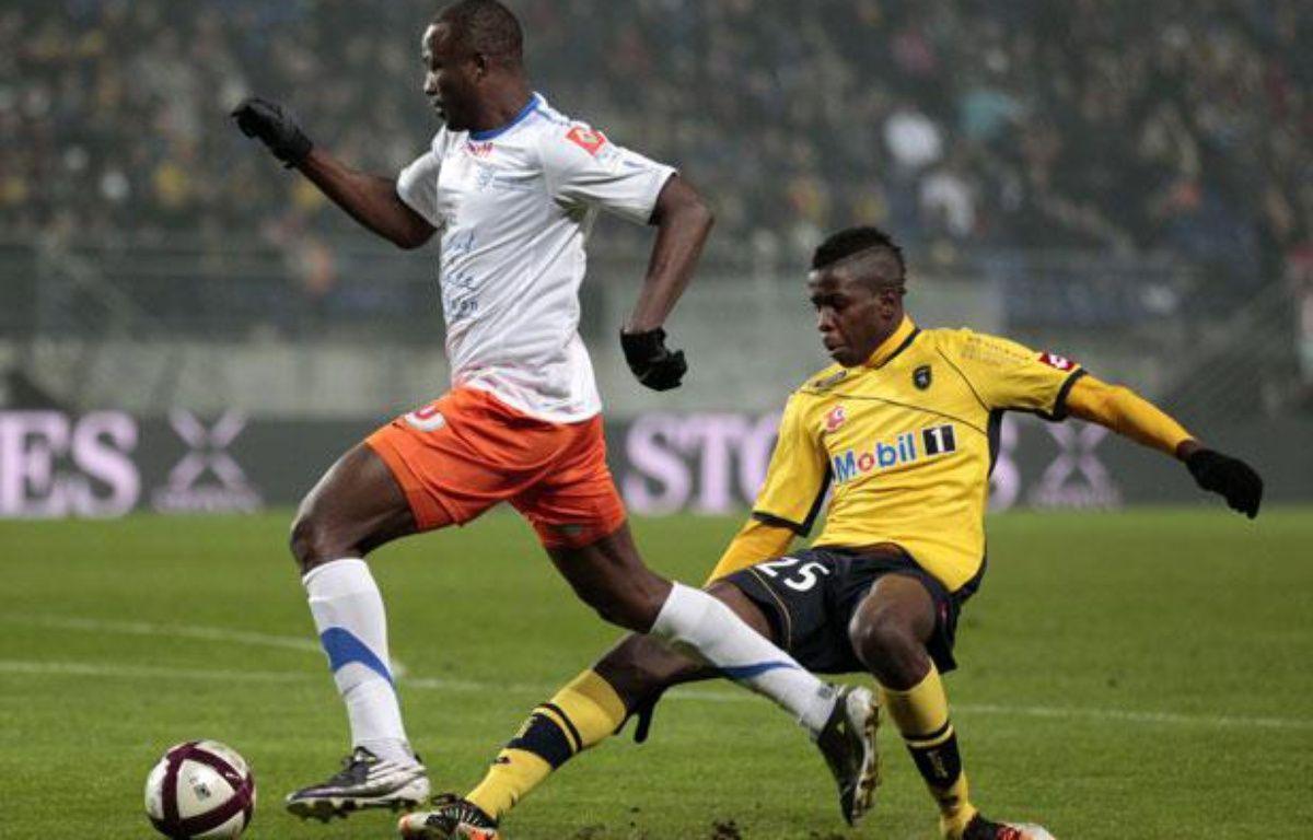 John Utaka élimine le défenseur sochalien Zouma, le 1er septembre 2012 à Sochaux. – V.Kessler/REUTERS