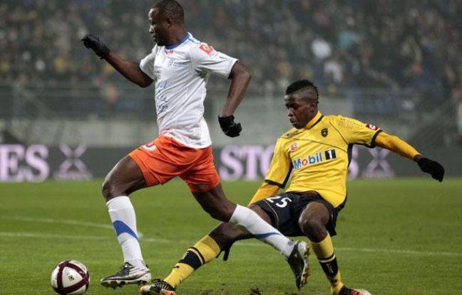 John Utaka élimine le défenseur sochalien Zouma, le 1er septembre 2012 à Sochaux.