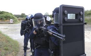 Les gendarmes du PSIG, ici à l'entraînement, ont donné l'assaut (illustration).
