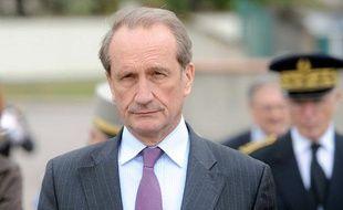 Le ministre de la Défense Gérard Longuet, le 14 avril 2011 en Moselle