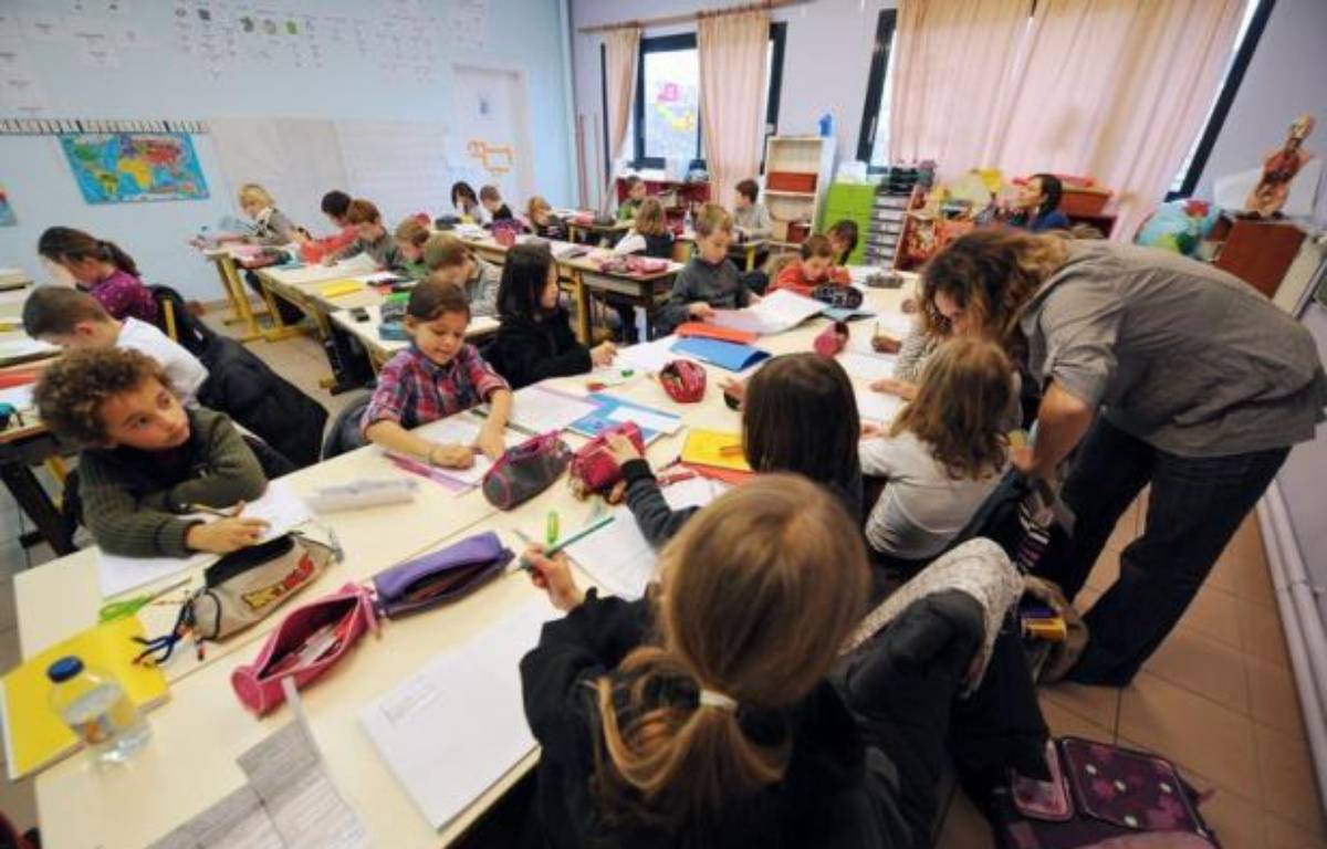 Le décret réformant l'évaluation des enseignants, très critiqué par les syndicats et publié in extremis par le gouvernement de droite au lendemain de la victoire de François Hollande, a été abrogé le 27 août, selon le Journal officiel de mercredi. – Philippe Huguen afp.com