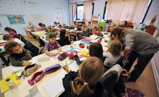 Le décret réformant l'évaluation des enseignants, très critiqué par les syndicats et publié in extremis par le gouvernement de droite au lendemain de la victoire de François Hollande, a été abrogé le 27 août, selon le Journal officiel de mercredi.